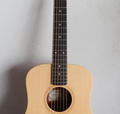 Baby Taylor Guitar Model 305 – fjernlager