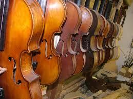 Violiner, ældre og renoverede.