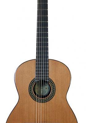 Santana 18-V2 klassisk guitar.