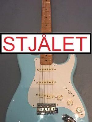 Fender Stratocaster (turkis) m. bag STJÅLET