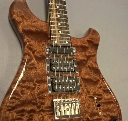 Astar unik håndbygget guitar, 2017 – fjernlager