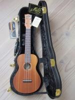 Maton ukulele concert.